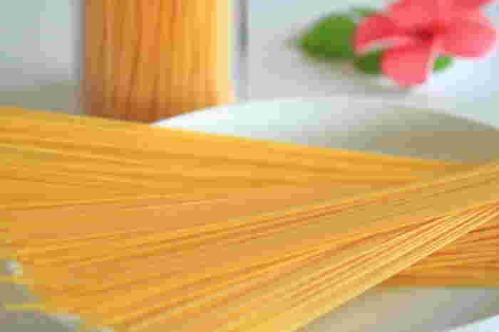 どんな食材とも相性が良いパスタは、夏バテ予防レシピもたくさん存在します。小麦はもともと栄養価が高いので、少ない量でもエネルギーを補給できます。冷製にしてももちろん美味しく、和風でも洋風でもアレンジは自在♪