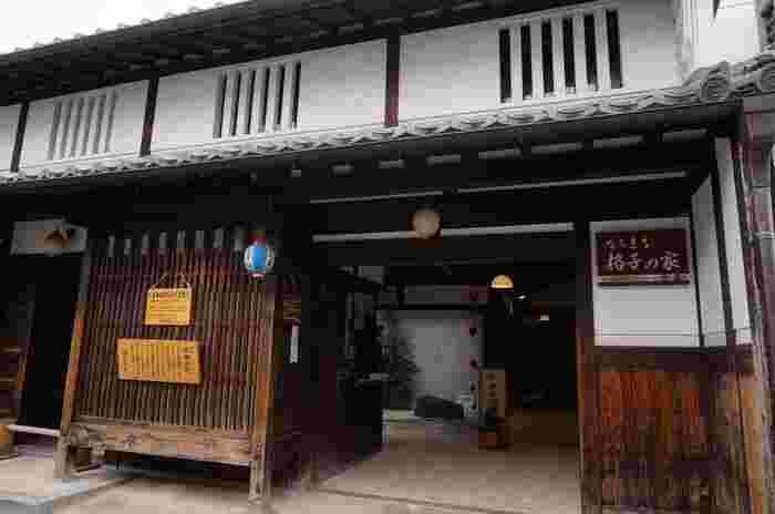 ならまち格子の家は、幕末から明治時代の建築様式を忠実に再現して建てられた町屋建物博物館です。