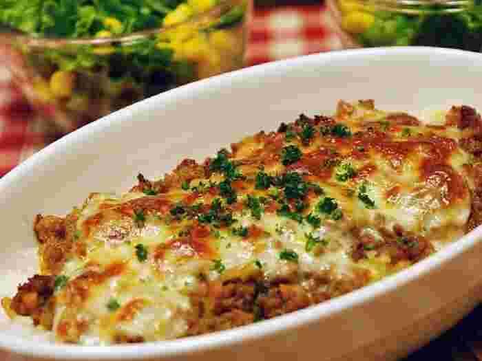 ミートソースならぬミートカレーでスパイシーなドリアに♪チーズとの相性は抜群です。