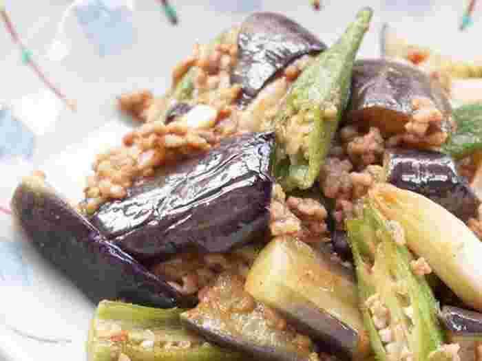 ひき肉たっぷりで甘さの感じられる麻婆茄子。元気食材として有名なオクラも一緒に入れて夏バテなんて吹き飛ばしてしまいましょう!