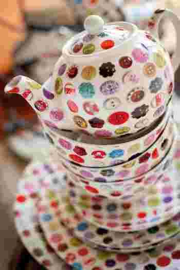 毛織り物だけでなく、陶器やオーガニックフードなどライフスタイルにかかわる幅広いアイテムを展開しています。