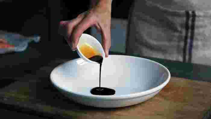 牡蠣のエキスたっぷりのオイスターソースを入れれば、マンネリぎみの具材でも、たとえ具の種類が少なめでも、しっかり味を整えることができます。