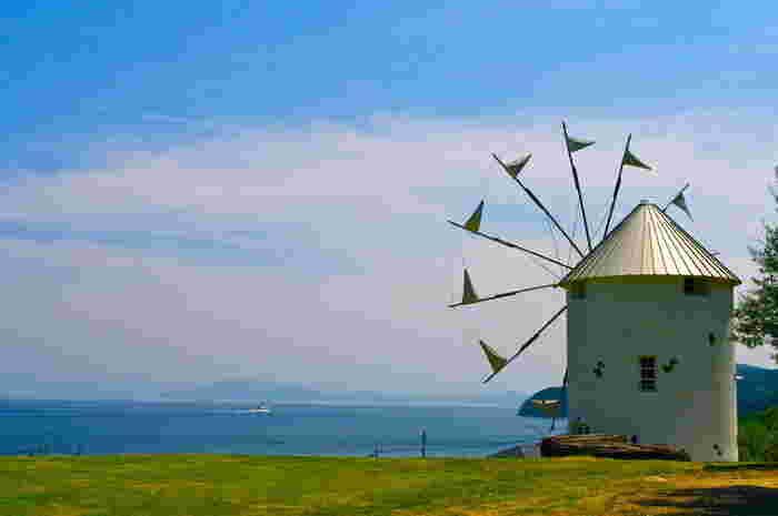 穏やかな瀬都内海に浮かぶ小豆島。地中海に似た温暖な気候で、時間もゆったりと流れています。