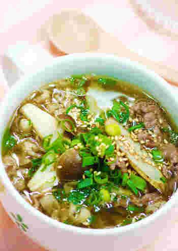 牛肉エキスと食物繊維たっぷりのごぼうが入った、体の中からきれいになれそうなスープです。疲労回復にももってこいです。