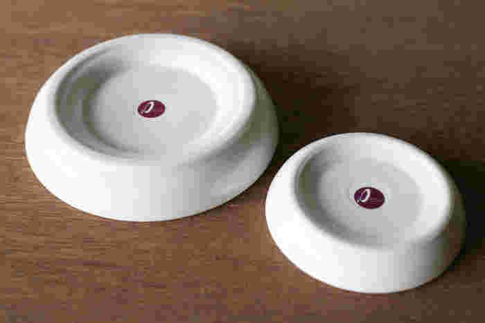 さらに底面の高台部分には、独自技術でシリコーンを高密度に密着させており、お皿と一体化しているので力を入れても滑ることなく、女性でも楽におろすことができます。おろした後も、水でさっと洗い流すことができるのでお手入れも簡単♪