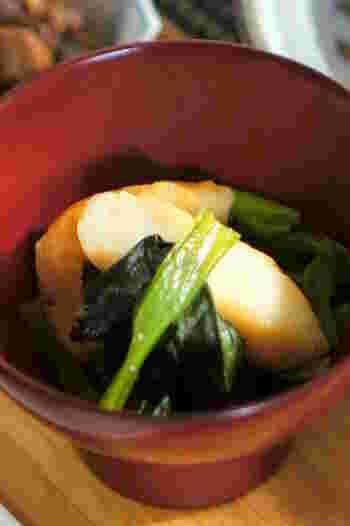 小松菜のような青物と笹かまぼこって相性がいいですよね。お鍋に材料を入れてコトコト煮込むだけ。冷めても味が染み込んで美味しくいただけます。