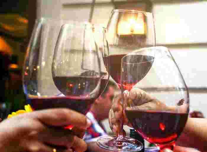 いかがですか?いろいろな料理や、雰囲気で楽しめるワイン。幅広い味わいを、一人ではもちろん友人や大切な人と一緒に楽しんでみてくださいね。