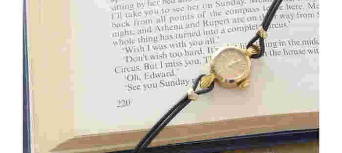 高級時計として知らない人はいない、スイスのブランドROLEX。1905年にロンドンで創業するものの、大戦の影響で拠点をスイスのジュネーブに移転します。ドーバー海峡を渡るのに十分だった耐久性や、その稀有な歴史から、現在も世界中で愛されています。