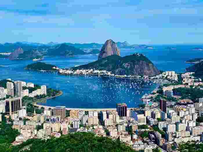 リオデジャネイロの持つ「山と海との間のカリオカの景観群」は、世界遺産にも登録されています。前回のオリンピック開催地としても記憶に新しいのではないでしょうか?