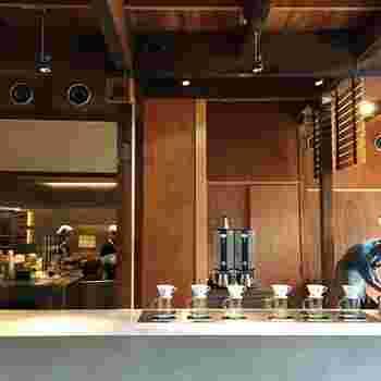 敷地内丸々ブルーボトルコーヒーとなっているこの京都店、もちろんこちらも京町屋の風情ある雰囲気を味わうことができ、ブルーボトルの代名詞ともいえるドリップコーヒーを頂くことができます♪