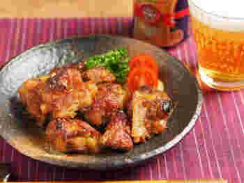 コリコリした独特の食感が美味しい「豚軟骨」は、コラーゲンたっぷりで女性に嬉しい食材です。圧力鍋を使えばやわらかく、美味しく仕上げることができますよ◎。特製タレに付け込んで香ばしく焼いた豚軟骨は、ご飯のおかずにはもちろんのこと、ビールのおつまみにもおすすめです。