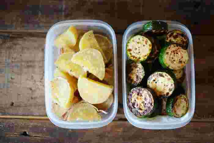自然解凍できるおかずは、保冷剤代わりにもなるから、夏場のお弁当にも大活躍!