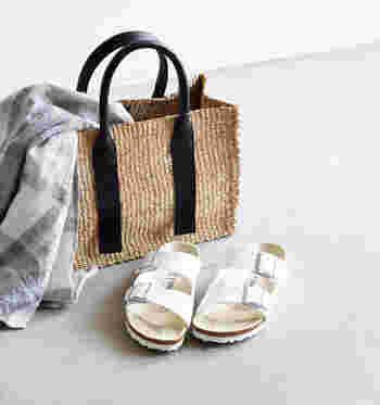 ワードローブに季節感をプラスして。夏の爽やかファッションアイテム&コーディネート