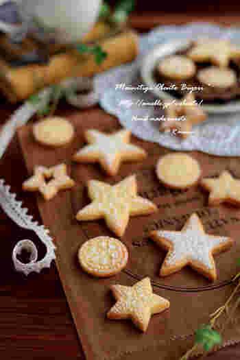 お星様にのっかった繊細な模様が素敵なアイシングクッキーは、根気の賜物♪アイシングを塗って一度乾かした上に模様を描いていくと、さらにこだわりの仕上がりになります。絞り袋をペンにしてパティシエ気分で楽しんでみてくださいね。