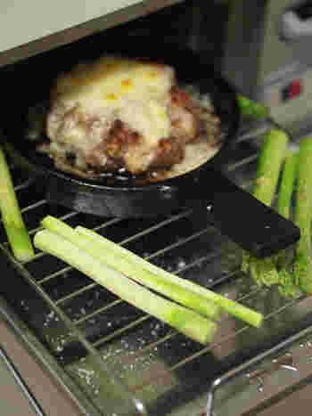 「魚焼きグリル」は魚を焼くためのものですが、その直火と火力を上手に取り入れて、ご馳走向きの料理を作ることも◎
