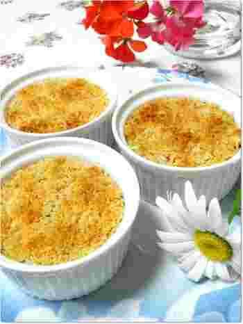 ジャガイモと合いびき肉に、卯の花を加えたヘルシーコロッケ。卯の花は「おから」とも言われ、豆腐をつくるときにできる豆乳を搾った残りかすのこと。食物繊維やカルシウムをふんだんに含んでいますので、栄養価もばっちりです◎