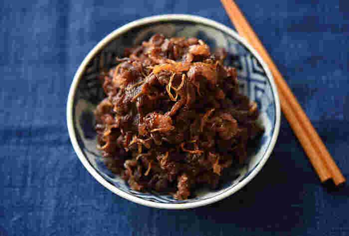用意する具材は牛肉と生姜だけのシンプルなおかず「牛肉のしぐれ煮」は、お弁当はもちろん、ごはんのお供や、お酒の肴にもぴったり。お弁当、普段の食卓、おもてなしなどいろんなシーンで使えるレシピです。