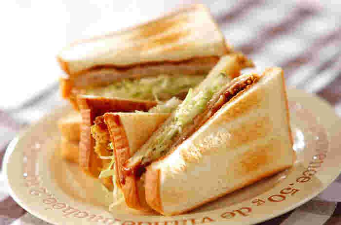 かぶりつきたくなる「カツサンド」。いつものカツより薄切りの肉を使えば、子供や女性でも気軽に食べられますよ。カツにはチーズを忍ばせて、美味しさ&うれしさ倍増!