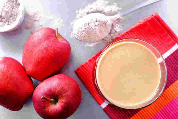 【材料】15cm丸型  A ・薄力粉 60g  ・グラニュー糖 2g  ・無塩バター 30g  ・卵 12g  ・牛乳 6g  ・塩 0.6g   B ・りんご 4個  ・グラニュー糖 130g(りんごの重さの1割程度になるように)  ・無塩バター 50g   生地は前日に作っておくのがおすすめです。