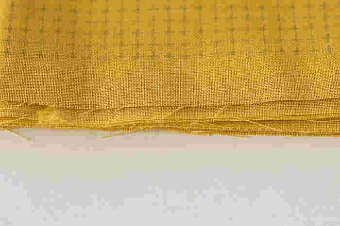 刺し子布は、洗うと消える方眼ガイドがプリントされているので、好きなデザインで刺し子ができます。。綿100%で、刺し子用の太めの糸から、お家にある木綿の糸などでも使えて、刺しやすい厚さも◎。
