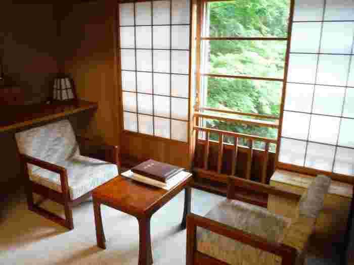 大人の女子旅やカップル旅をするなら、原生林に囲まれながらひっそりとたたずむ一軒宿・長寿館の法師温泉で心休まる静かな旅はいかがでしょうか?