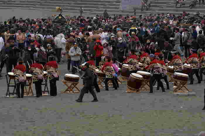 威勢のいい和太鼓でお祭りの雰囲気も盛り上がります。