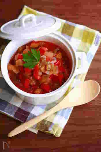 トマトやパプリカ、ズッキーニなど夏野菜がたっぷり摂れるラタトゥイユ。トマトジュースを使えばお手軽に作れちゃいます。 パスタのソースにしたり、トーストに乗せたりとアレンジも色々楽しめるので、多めに作って冷凍しておくと便利!