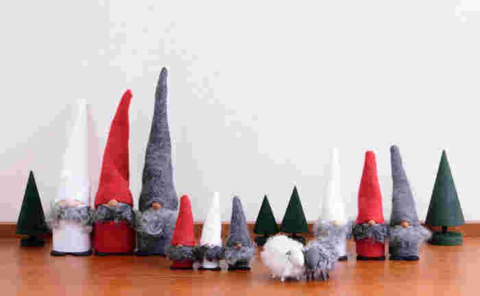 大きなクリスマスツリーも素敵だけれど、大人のインテリアにはちょっと抵抗が?そんな人には小さなオブジェを飾って、クリスマスのムードを楽しみませんか?小さなオブジェなら、飾るのも簡単で収納にも困りません。さり気ないクリスマスインテリアが大人のお部屋にぴったりですよ。