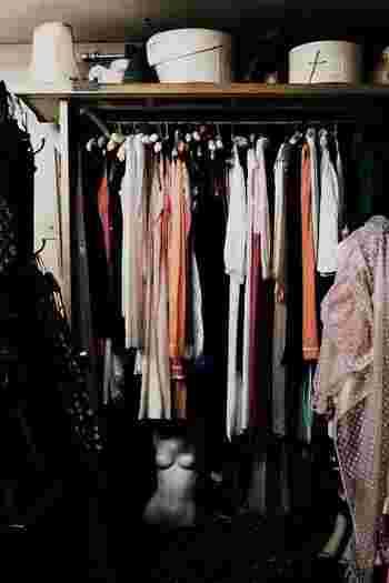 大人の女性のドレスコードって?フォーマルやスマートカジュアルのナチュラルコーデ