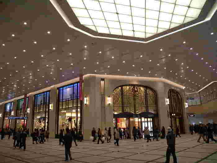 今回は、各百貨店から大阪(関西)土産におすすめの美味しい品を選りすぐってご紹介します。大阪に観光に来る方はもちろん、帰省土産の参考にもしてくださいね。