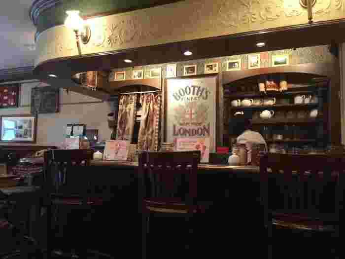 JR吉祥寺駅から徒歩7分。東急百貨店の裏側、おしゃれなお店が立ち並ぶエリアに「TEA SALON Gclef(ティーサロンジークレフ)」はあります。ブレンドや着香などの加工を施していない、茶葉本来の味と香りが楽しめる「シングルオリジンティー」を飲む事ができる事で人気の紅茶専門販売店です。