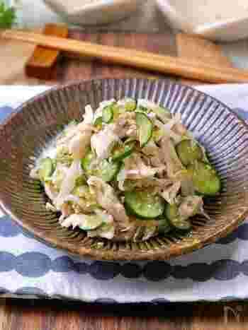 やわらかささみとシャキッと野菜が美味しい「ささみのさっぱり中華和え」。もやしは湯通ししたら水で洗わずにそのまま冷ますのがポイント。さっぱりヘルシーなレシピです。