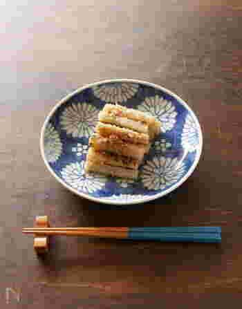 関西のおせち料理としては一般的な、たたきごぼうのレシピ。煮るのではなく茹でて和えるので、調理時間10分で出来上がります。ごまの風味と柔らかなお酢の酸味が絶妙です。