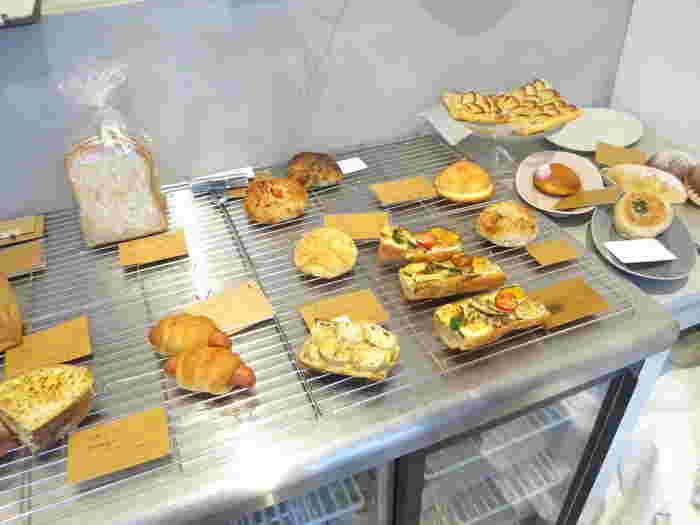 お店でかき氷を食べた後は、美味しいパンを持ち帰るという方も。「べつばら」を訪れた際には、ぜひパンもチェックしてみてくださいね。