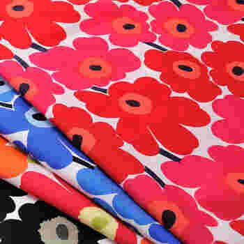 「小さなマリーのドレス」という意味をもつmarimekko(マリメッコ)は、北欧3大ファブリックメーカーの一つ。鮮やかな花をモチーフにしたUNIKKO(ウニッコ)はブランドを代表するデザインとして、あまりにも有名です。