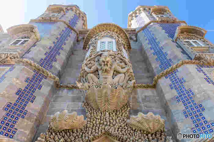 城内はそこら中、「アズレージョ」と呼ばれるタイルで彩られていて、カラフルでほんとに可愛いんです!