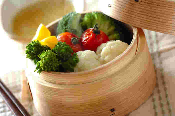 ビタミンC、Aがたっぷり含まれている野菜を蒸し、栄養を無駄なく摂りましょう。