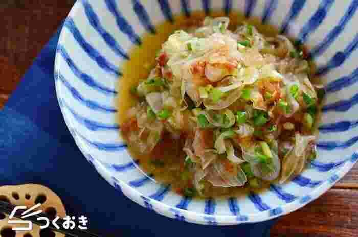 レンジであっという間に作れるスピードレシピ。玉ねぎの甘みが美味しく、おかかポン酢でさっぱりと食べられます。余った玉ねぎを消費するのにも丁度いいですよ!
