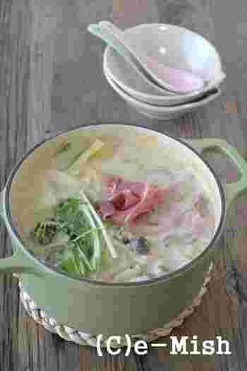 ベースを変えたお鍋のアレンジレシピをご紹介しました。作ってみたいレシピはありましたか?ヘルシーで飽きないお鍋を用意して、寒い冬を乗り切りましょう!