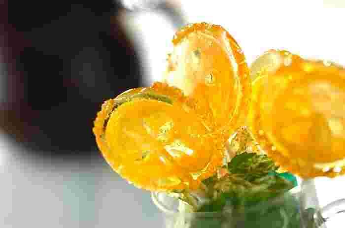 見た目もさわやかで美しいレモンキャンディ。 ちょっとした手土産にこんな素敵なおやつを作って行ったら、喜ばれること間違いなしですね♪