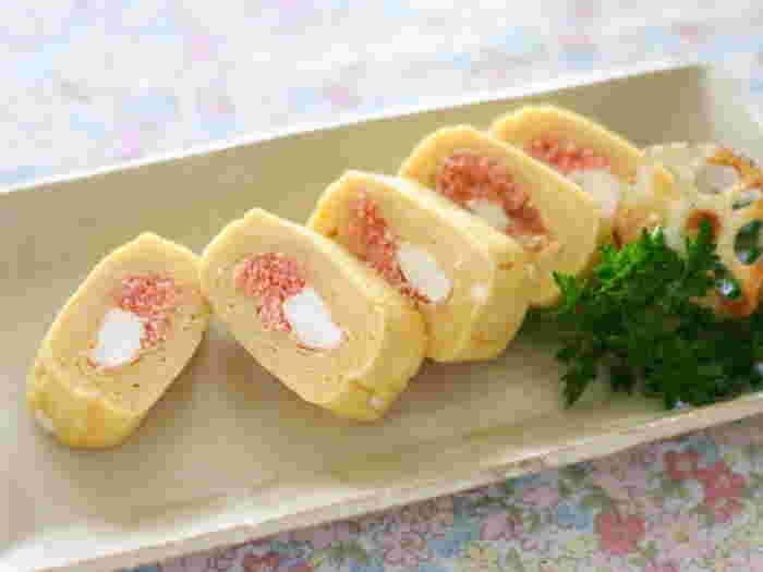 こちらは明太子とベビーチーズを巻いた卵焼きです。卵の優しい色にピンクと白がよく合いますね♪お弁当にもおすすめだそうですよ。