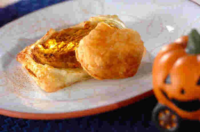冷凍のパイシートと同じく冷凍のカボチャで作るハロウィンパイ。カボチャペーストには、ブランデーとシナモンが入り、風味豊かなパイに仕上がっています。
