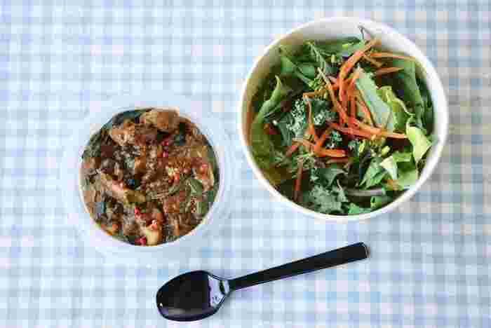 地元の野菜をたっぷり使ったお料理が人気の「SWITCH KOKUBUNJI(スイッチ国分寺)」。イートインで人気のメニューがテイクアウトできるようになり、ヘルシー志向の方や健康意識の高い方に注目されています。(電話や店頭での予約制)