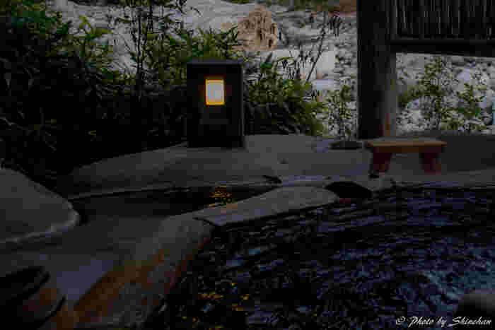 高山市郊外には、名湯・奥飛騨温泉郷もあり、街歩きや散策で疲れた身体をゆっくりと休めることもできます。今回は、古い町並みだけに留まらない、高山市郊外のおすすめ観光スポットをご紹介したいと思います。