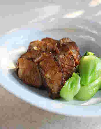 こちらは生姜をたっぷり使い、最後に照り焼きにするバージョンです。紅茶豚は多めに作り置きしておくと、アレンジして色々と使えるので便利です!