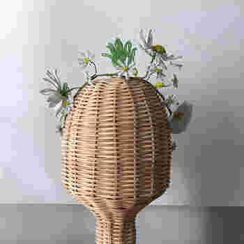 フランス製のアンティークビーズフラワーを贅沢に使用した美しいヘッドピース。あたたかい季節のドレススタイルにおすすめの大人のヘッドピースです。