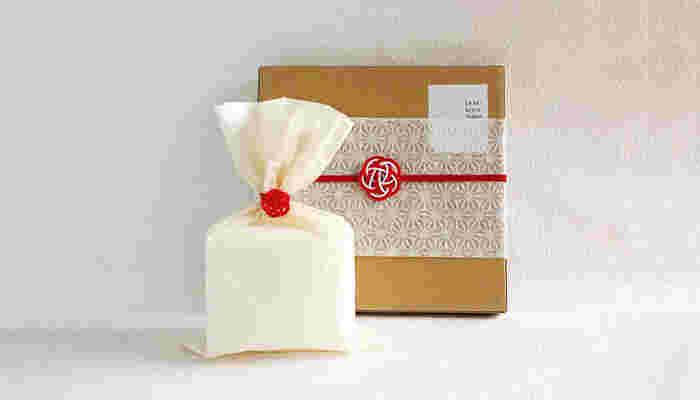 ■和風梅水引きオプション(有料) 水引きを可愛らしい梅水引きに変更することも出来ます。女性へのプレゼントに使いたいオプションです。