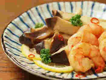 エリンギやエビなど、ヘルシーな食材をポン酢しょうゆで爽やかに仕上げた、和風ピクルス。電子レンジで作るお手軽レシピです♪