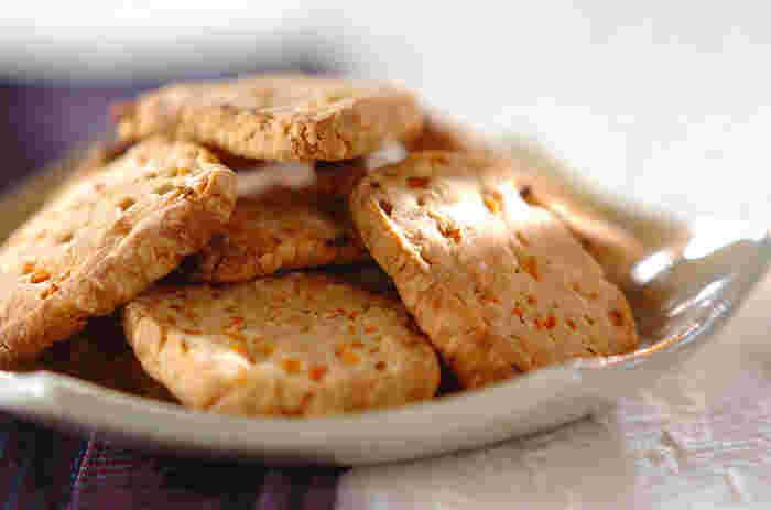 野菜嫌いのお子様でも食べられる、バターを使わない、身体にやさしいクッキー。ザクザクッとした食感が後引く美味しさです。