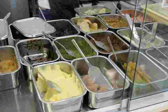 メニューは惣菜系の「まんぷく」、スイーツ系の「べつばら」、その他にニュートラルなジャム系などがあります。